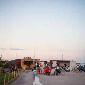 Redmolen Strandbar: A great beach bar in Copenhagen
